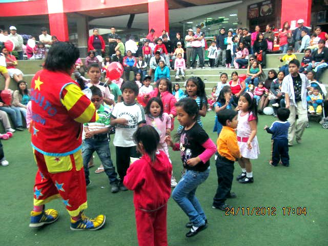 Huacho foto02 plaza del sol huacho for Eventos plaza del sol