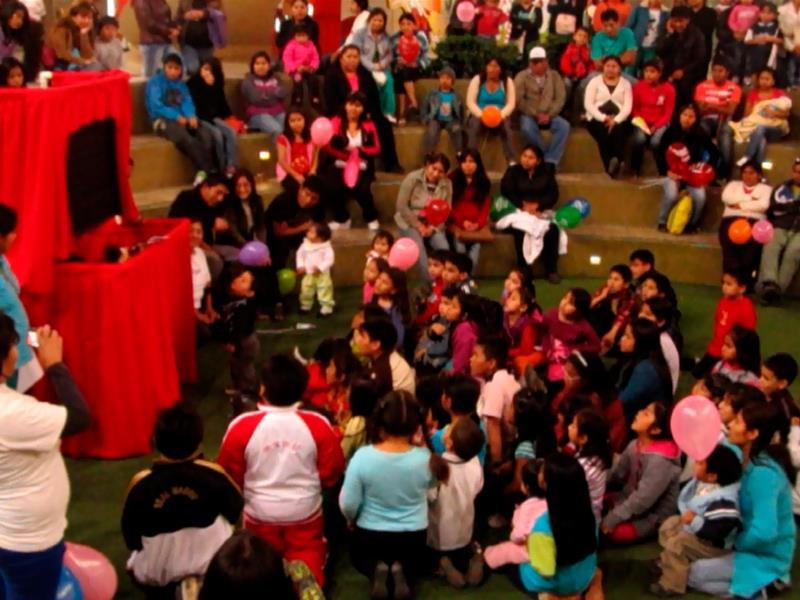 Huacho foto03 plaza del sol huacho for Eventos plaza del sol