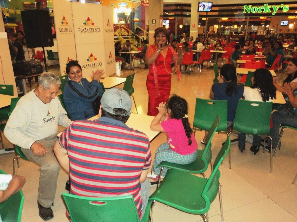 Evento diciembre01 plaza del sol ica for Eventos plaza del sol